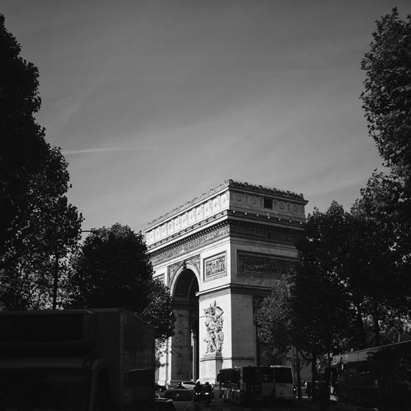 Arc de Triomphe bw photo