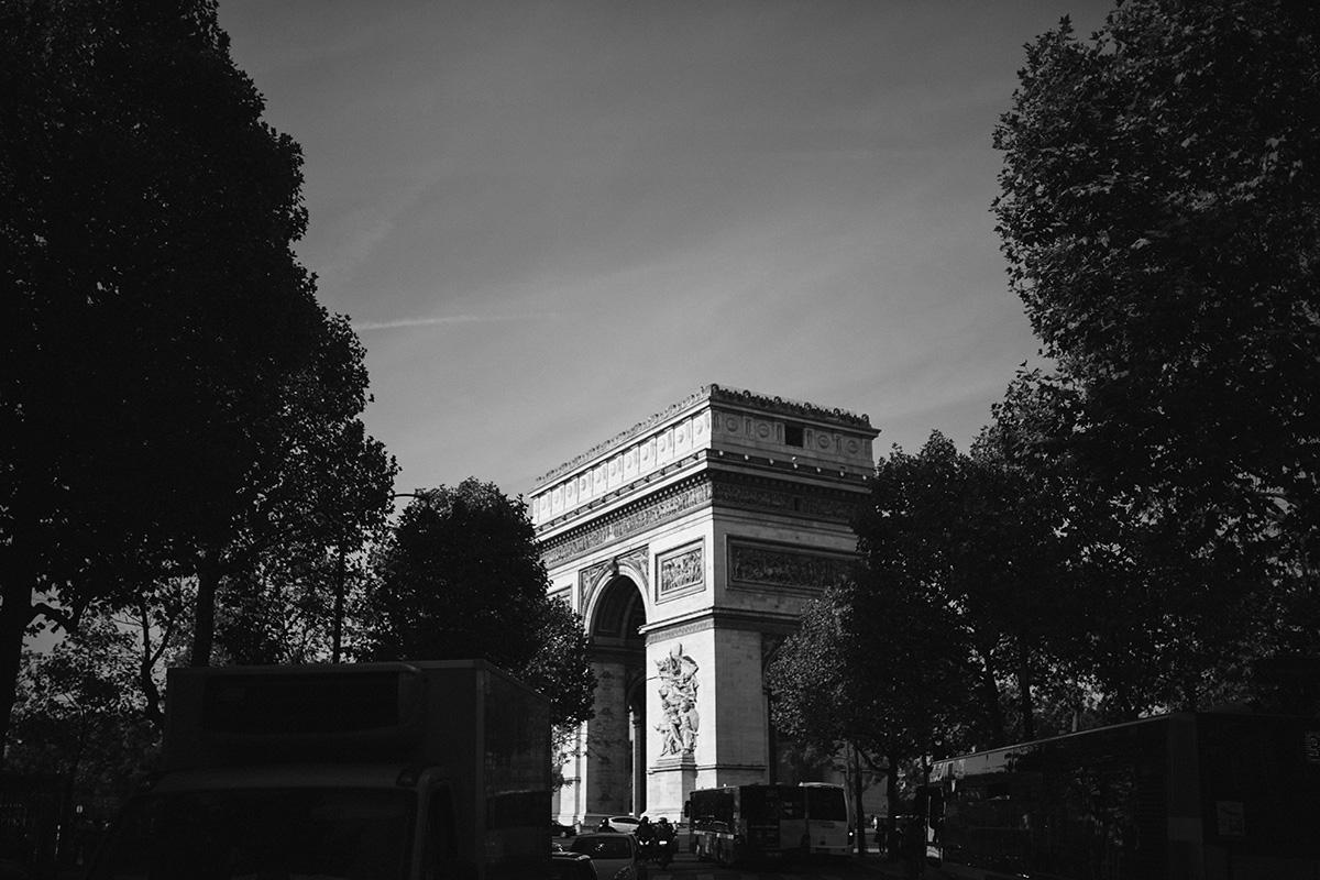 Arc de Triomphe bw photo