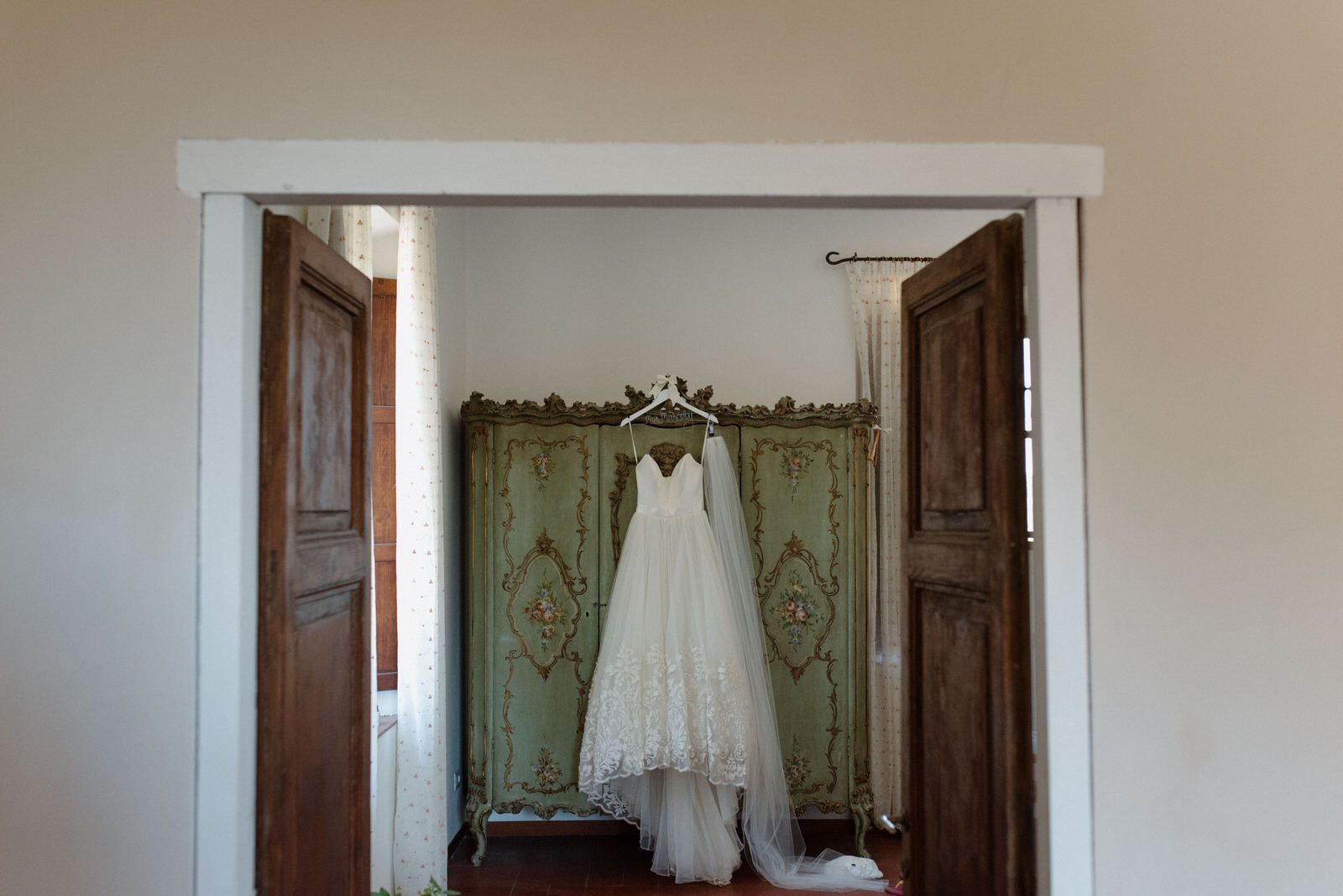 Borgo di Tragliata Wedding dress
