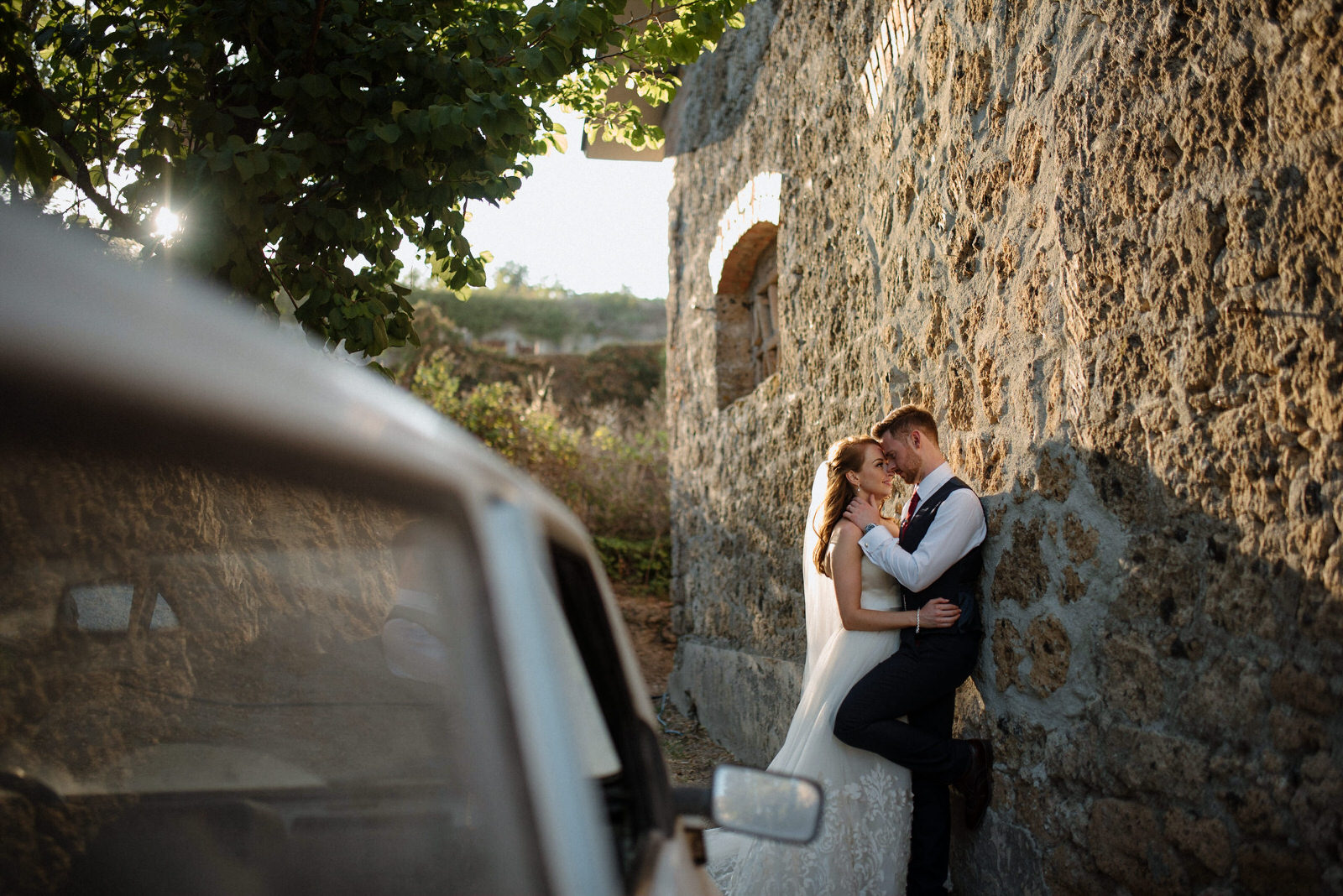 destination wedding photographer rome borgo di tragliata